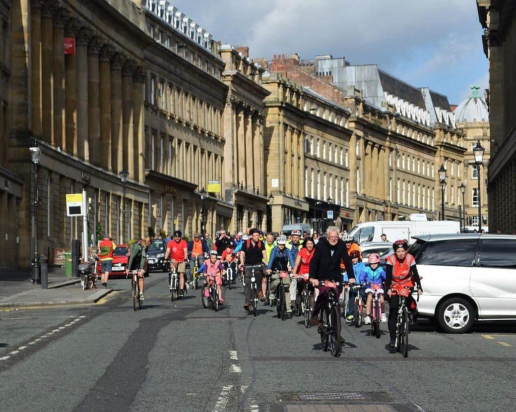 Cycling down Grey Street . Photo: Shannon Robalino